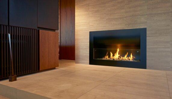 Private Residence - Firebox 1100CV 嵌入式燃烧室 by EcoSmart Fire
