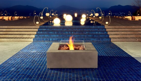 Commercial Space - Base 壁炉家具 by EcoSmart Fire