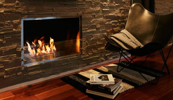 Private Residence - Firebox 1000SS 嵌入式燃烧室 by EcoSmart Fire