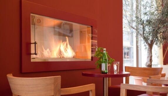 Vapiano, UK - Firebox 1200SS 嵌入式燃烧室 by EcoSmart Fire